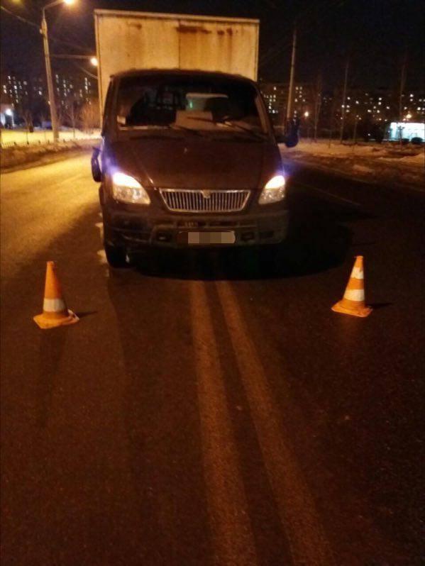 Автомобиль сбил девушку: Пострадавшая в больнице (ФОТО)