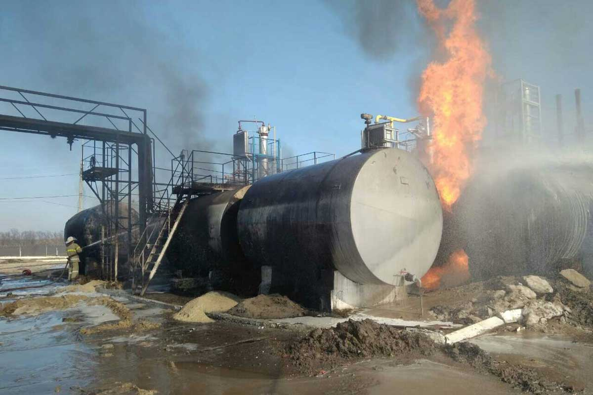 ВХарьковской области загорелись цистерны смазутом игазом