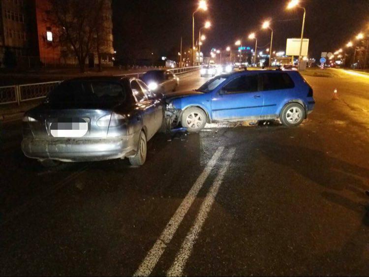 ДТП: Пострадавшего водителя с травмами забрали в больницу (ФОТО)