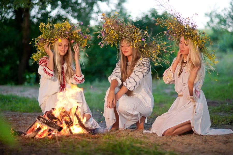 Рискованное празднование: нетрезвый волынянин наИвана Купала прыгнул вогонь