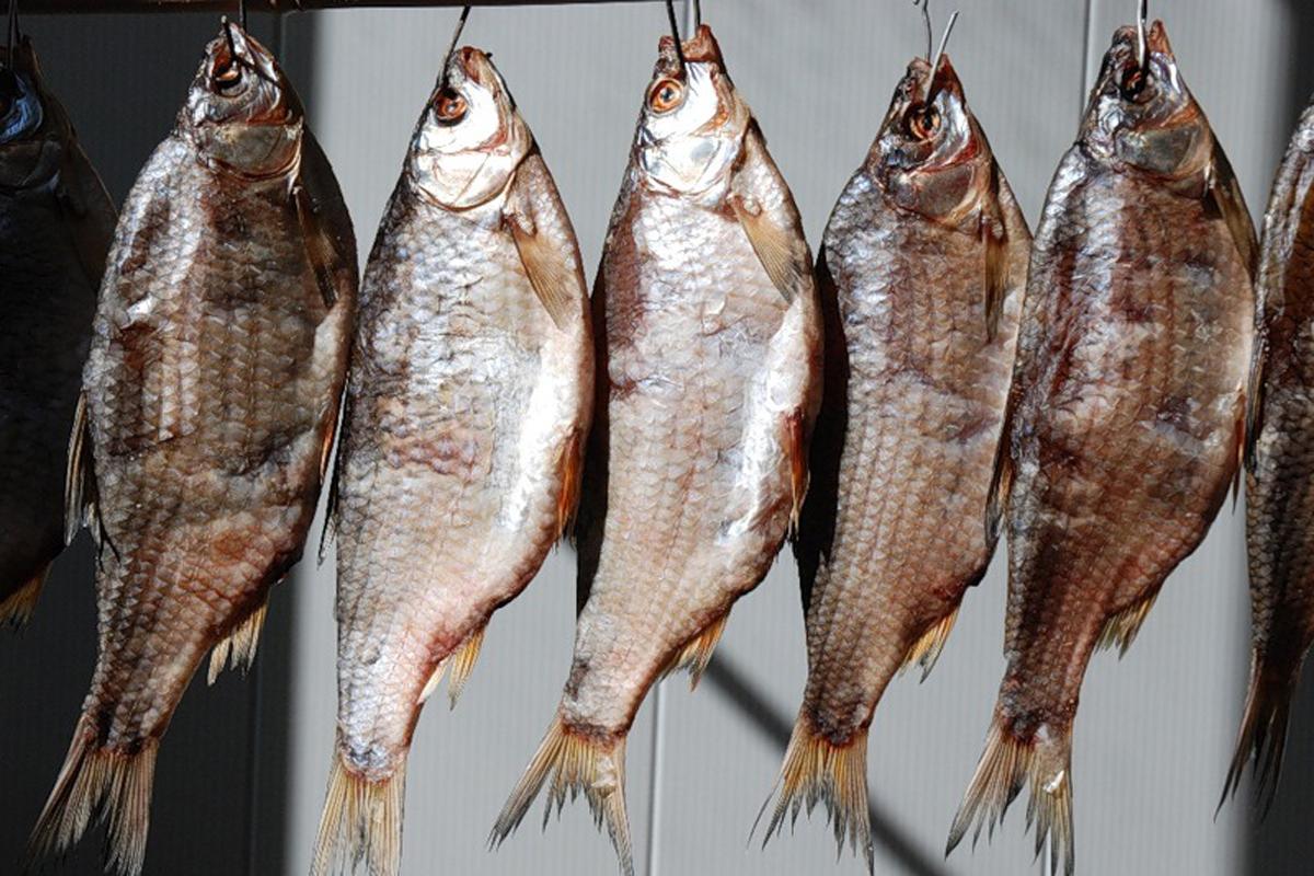 ВУкраине скончалась отботулизма женщина: вяленую рыбу она купила всупермаркете