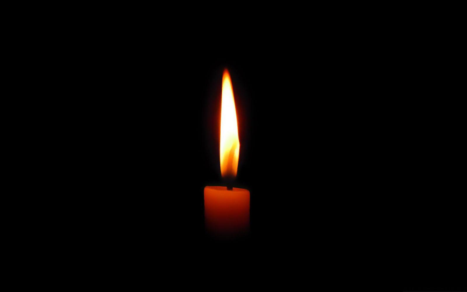 ВХарькове автомобиль разнесло обэлектроопору: погибли иностранцы