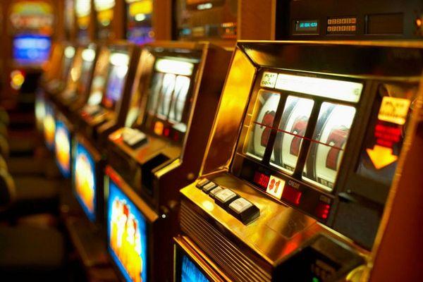 Игровые автоматы работа киеве игровые автоматы бонус при регистрации 100 рублей