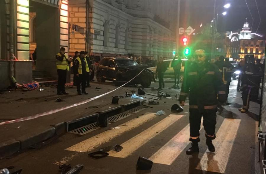 Девушке-водителю Лексус, которая устроила жуткое ДТП вХарькове, объявили о сомнении