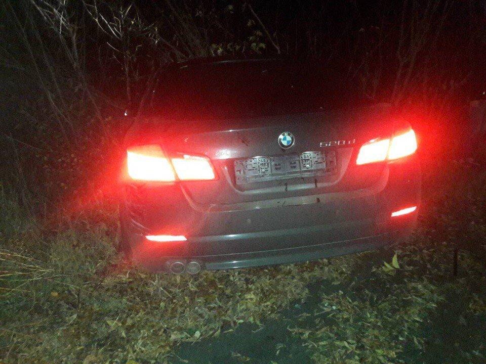 Элитная иностранная машина врезалась в«Славуту» вХарькове. Два человека получили серьезные травмы