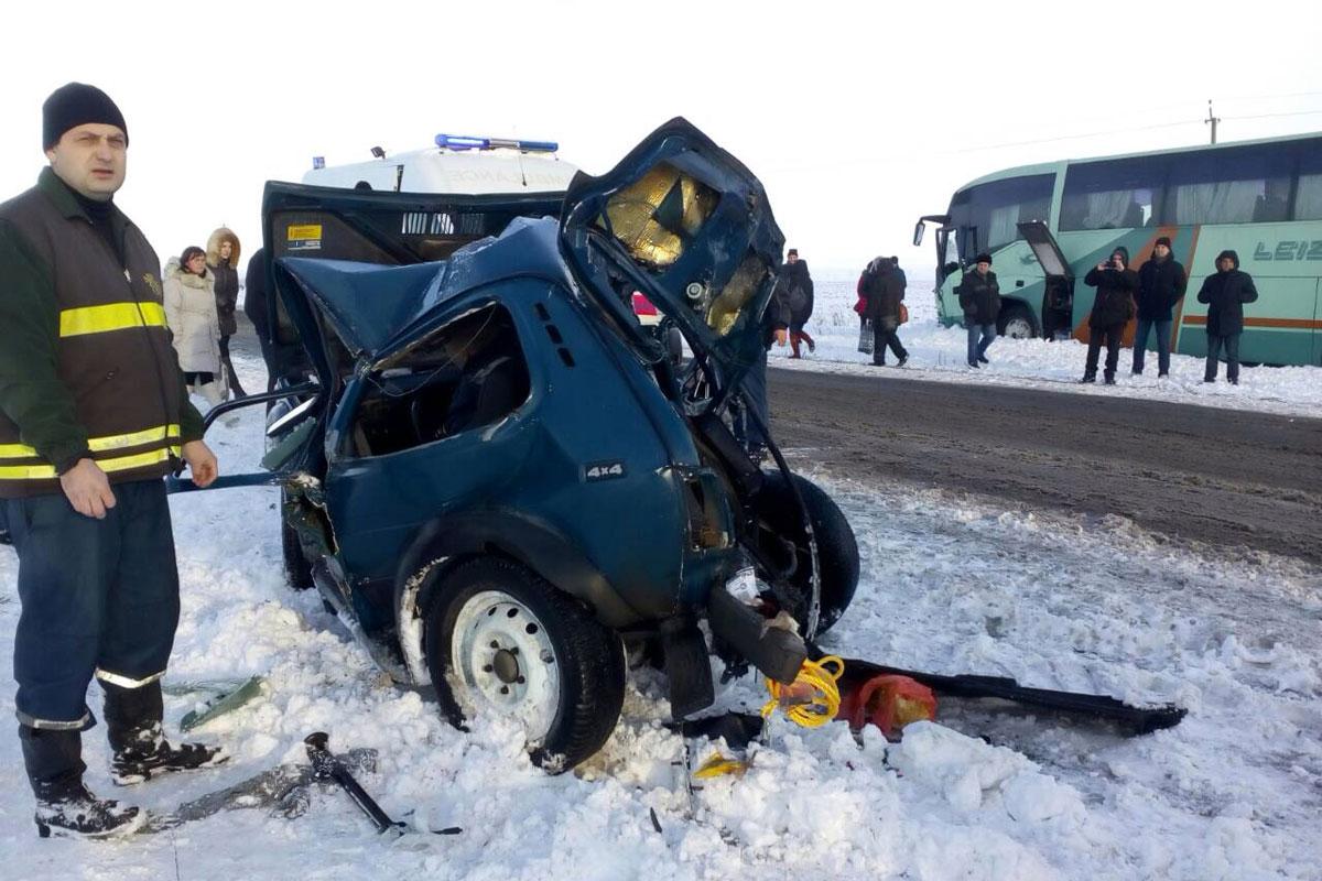 Под Запорожьем ДТП савтобусом: есть погибшие