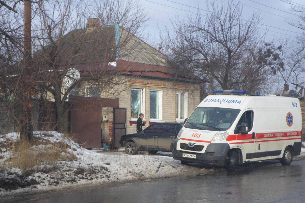 Вся вкрови: вкиевской многоэтажке отыскали тело женщины
