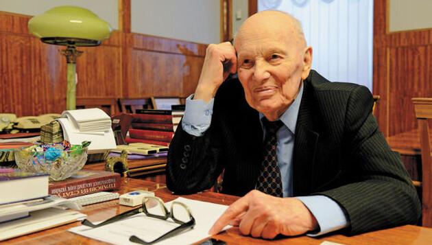 Прощание с Патоном: легендарного ученого похоронят на Байковом кладбище